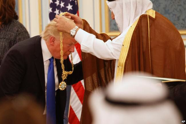 Trump USA Saudi Arabien Gold